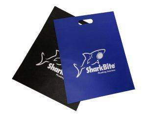 Bolsa de tela con logo SHARKBITE